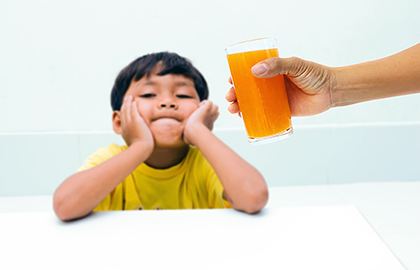 hand-foot-mouth-signs-symptoms-child-refuse-drink.jpg