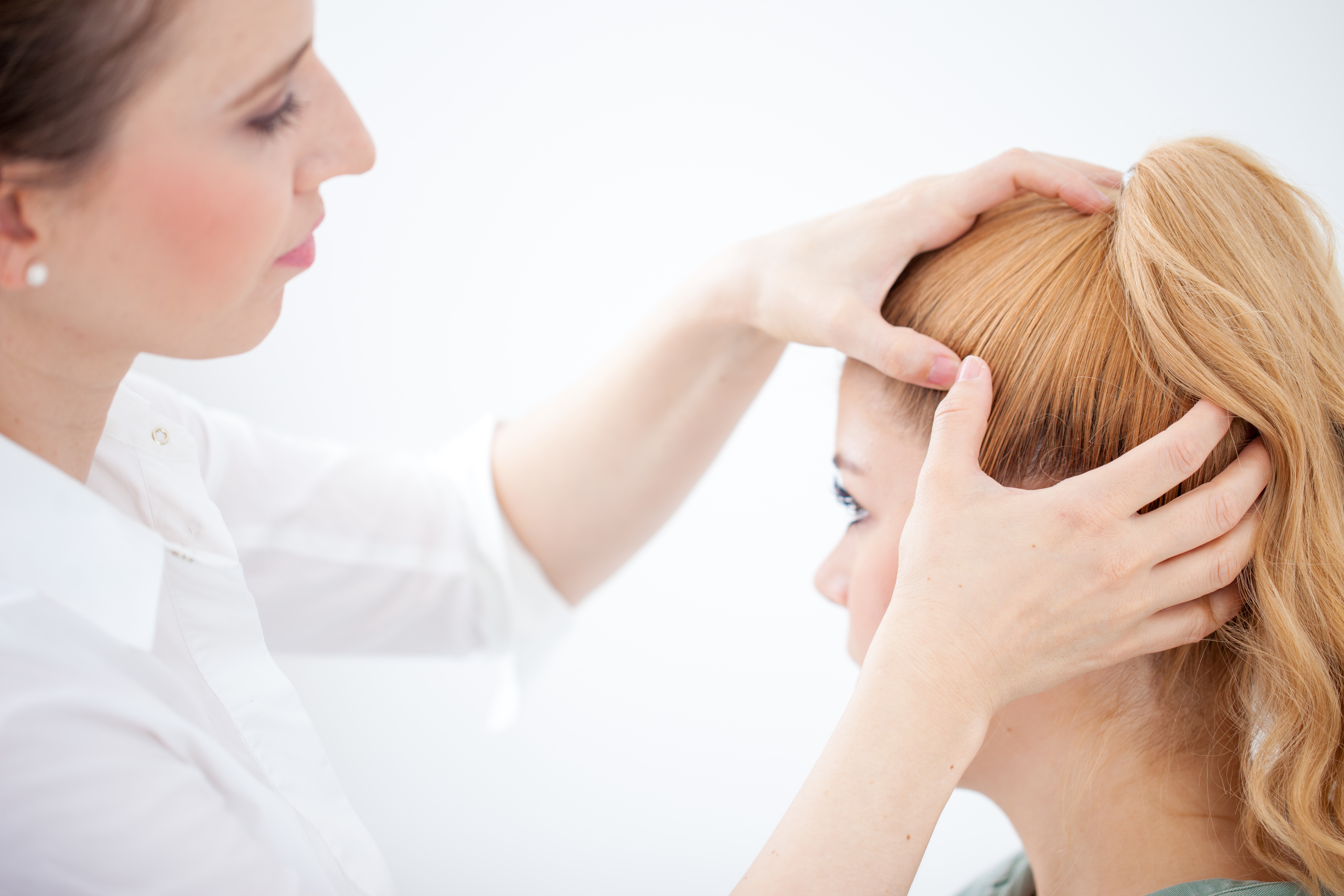 Scalp psoriasis: Shampoos, scale softeners, and other